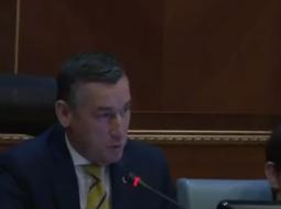 (VIDEO) Veseli 'bën' Edi Ramën kryeministër të Republikës së Kosovës