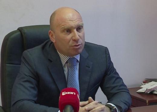 Ish-ministri i Brendshëm, Dritan Demiraj ka rifituar të drejtën për t'u  kthyer si kolonel aktiv në Forcat e Armatosura. Kujtojmë që ai u largua nga  FA në ...
