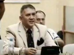 Fate Velajt i duhet shkulur veshi, shihni çfarë ka propozuar deputeti i PS-së (VIDEO)