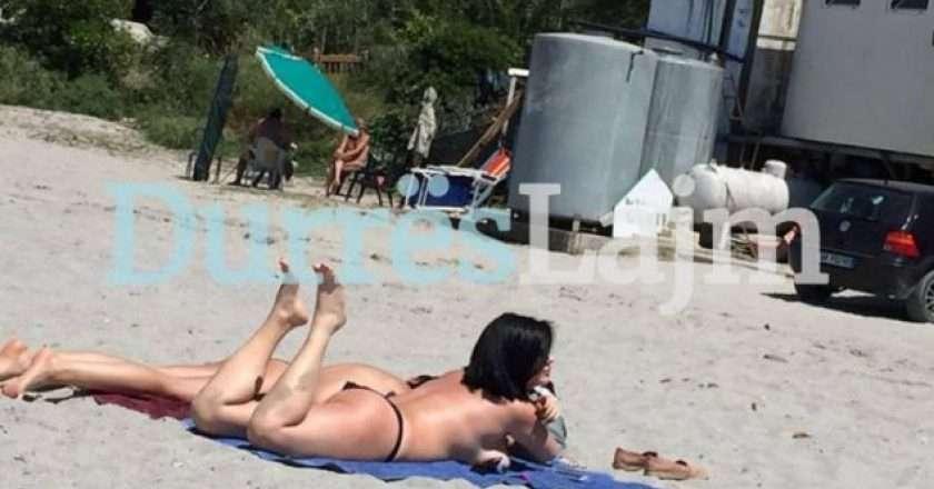 toplesss.jpg