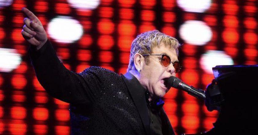 Elton-John-performs-in-Rio-De-Janeiro.jpg