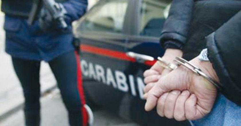 carabinieri-manette.jpg