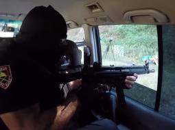 VIDEO AKSION/ Gardistët tregojnë forcën mes breshërive të plumbave