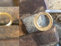 FOTO/ Nuk kishte para për unazën e fejesës, shqiptari mahnit të gjithë