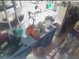 VIDEO/ Kamioni hyn brenda në supermarketin e Kosovës