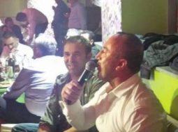 VIDEO/ Haradinaj nuk heq dorë nga zakoni, shikoni si ia merr këngës kryeministri