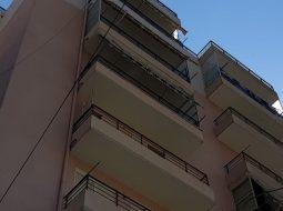 Sarandë, çifti bën seks në ballkonin e apartamentit, pushuesit shohin skenat (VIDEO +18)