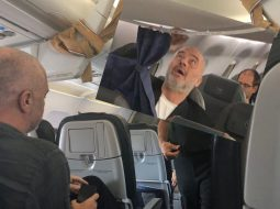 FOTO/ Moment i sikletshëm i Ramës në avion teksa kthehet nga Berlini
