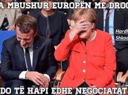 Foto pikante/ Tallje në internet për dështimin me negociatat