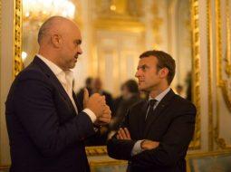 """""""Fajin e ka Saliu"""", rrjeti gajaset me meme-t për negociatat (FOTO)"""