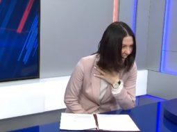 VIDEO/ Spikerja ia plas të qeshurës kur po jepej lajmi për pensionet