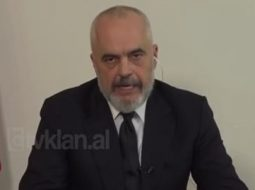 VIDEO/ Kur Rama, ndryshe nga sot thoshte se mbyllja e kufijve nuk e pengon koronavirusin