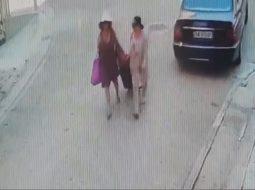 VIDEO/ Vlonjati denoncon këto 2 gra: Më morën valixhen kur po e nxirrja nga makina