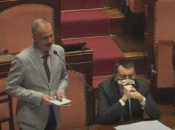 Befason senatori italian: Burrat me 4-5 dashnore janë më të favorizuar, të dashurat përkthehen në vota